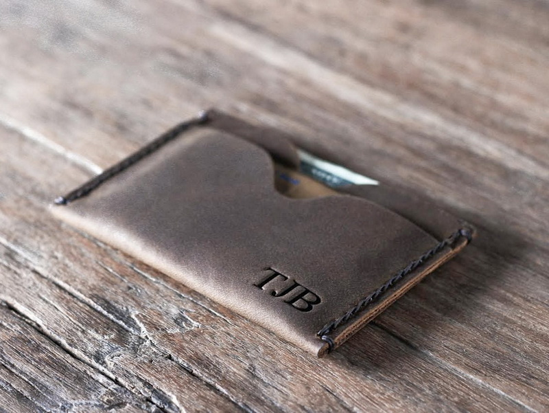 Top-Grade Personalized Credit Card Holder Wallet - Gifts For Men